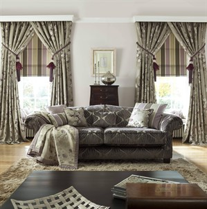 grey_and_green_living_room_setting_299x302
