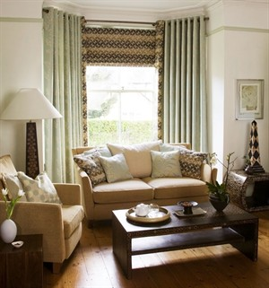 living_room_setting._beige_and_green_300x321